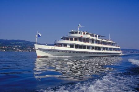 Leinen los und mit Volldampf über den Zürichsee!