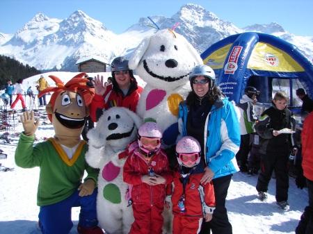 Attraktiv – Junior und Klexx begleiten die kleinsten Gäste bei den Events und in der Kinderskischule
