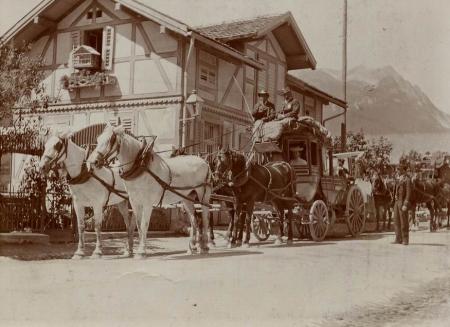 Pferdepost in Savognin um ca 1890. Foto aus Sammlung Romano Plaz.