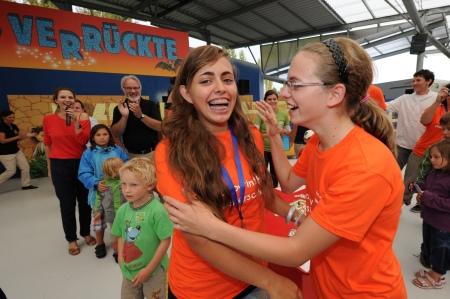 15-jährige Vera Arnold gewinnt Labyrinth-Meisterschaft im Ravensburger Spieleland