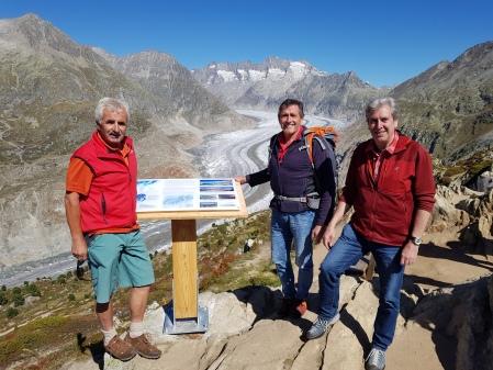 Thementafeln «der Grosse Aletschgletscher im Wandel der Zeit» auf der Moosfluh sind Lanciert